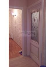 Фото установленной Дверь Арт Деко Вэла беленый дуб ДО рисунок