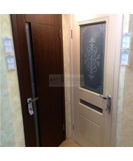 Фото установленной Дверь Крона Стелла Дуб стекло матовое с рисунком