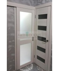 Фото установленной Дверь Профиль Дорс 63X Капучино Мелинга Стекло Белый Лак